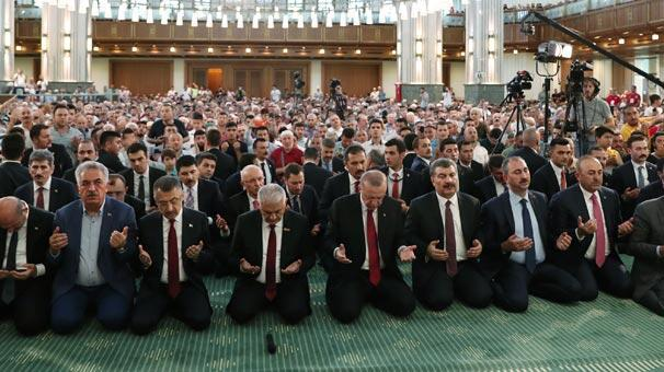 Son dakika: Cumhurbaşkanı Erdoğan Millet Camiinde Kuran okudu