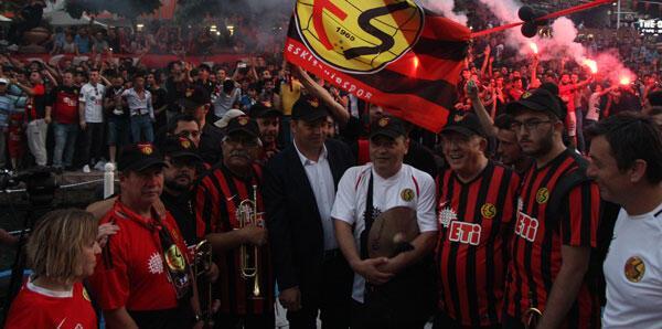 Eskişehirsporun 53. kuruluş yılı kutlandı