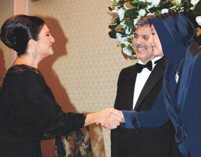 AKP'liler smokin giymedi