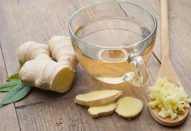 Kronik mide bulantısı nedir Hangi yiyecekler mide bulantısı yapar İşte mide bulantısına iyi gelen şeyler