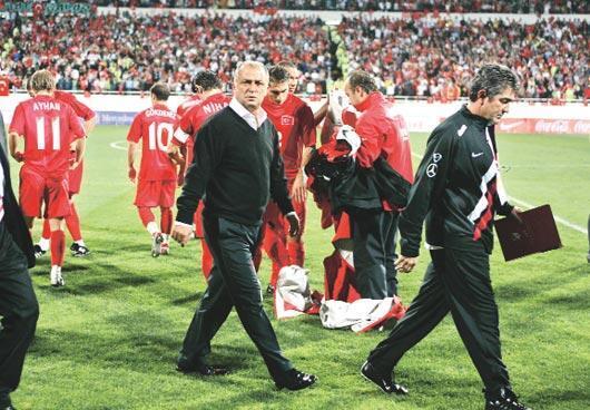 Bir puan Türk futbolunu kurtarabilir