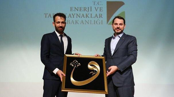 Bakan Albayrak Bursa'da gençlerle bir araya geldi