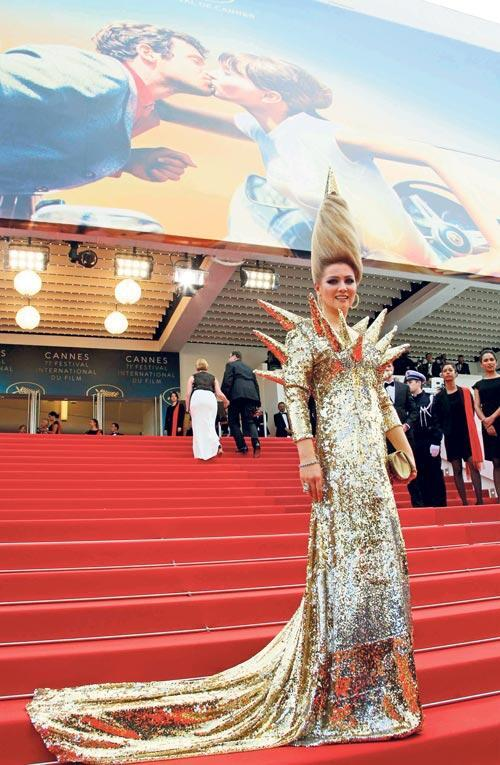 Cannes'da tacize karşı 'Alo' hattı