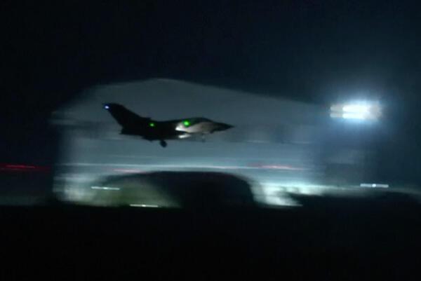 Son dakika... Ünlü bombardıman uçağı B-1ler vurdu