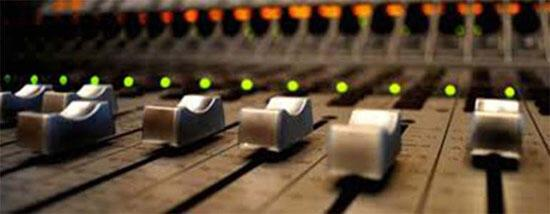 Nasıl Radyo Programcısı Olunur