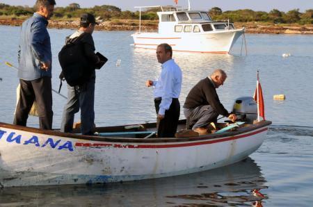 DPliler işgal edildiğini söylediği adalara gitti ama çıkamadı