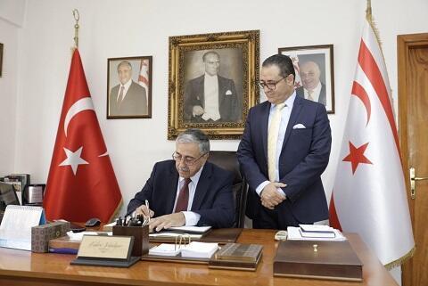 Akıncı, KKTC İstanbul Başkonsolosluğu'nu ziyaret etti