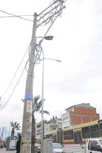 Elektrik kabloları yeraltına alınıyor