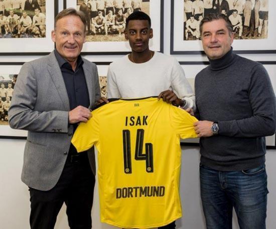 Borussia Dortmund, Alexander Isakı kadrosuna kattı