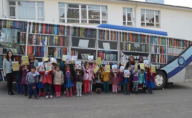 Diriliş Ertuğrul Dizisi Oyuncularından Köy Okullarına Kitap Bağışı Kampanyası