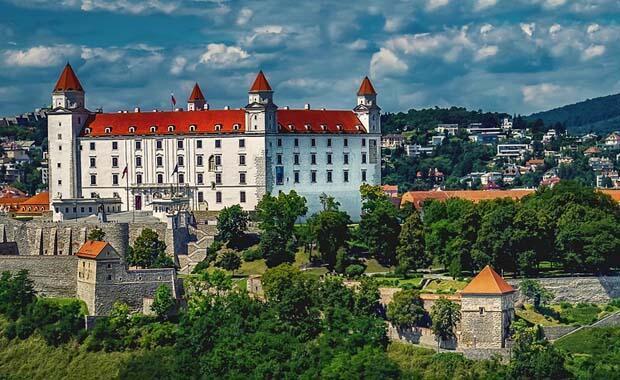 Sınırdaki başkent Bratislava