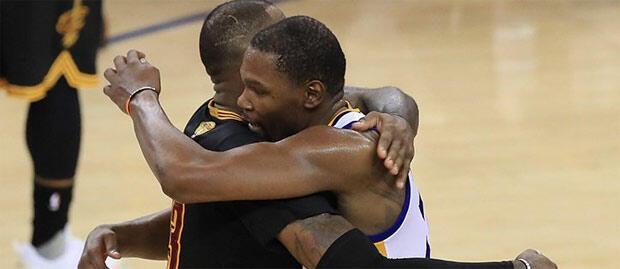 NBAde şampiyon Golden State Warriors