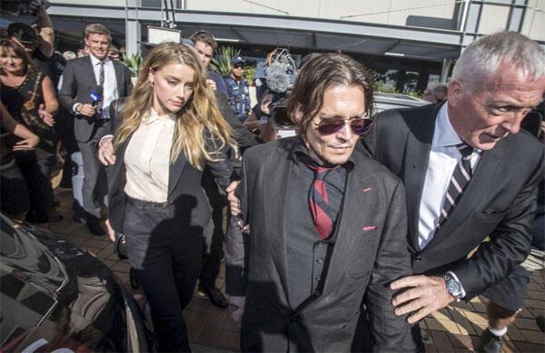 Johnny Deppin karısı köpek kaçakçılığı suçunu kabul etti