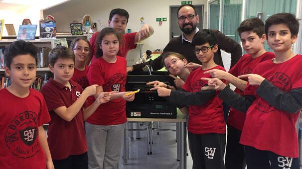 Ortaokul öğrencileri 3 boyutlu yazıcı ile çevre dostu kalem üretti