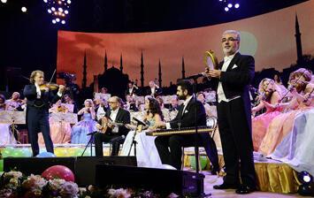 Andre Rieu konseri:  Vals halaya karışınca…