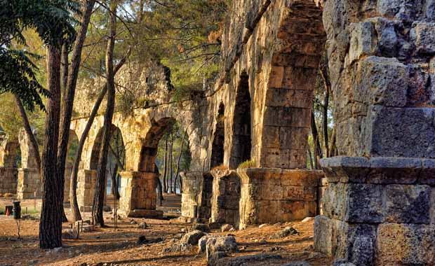 Antalya'nın gözde tatil beldesi Kemer