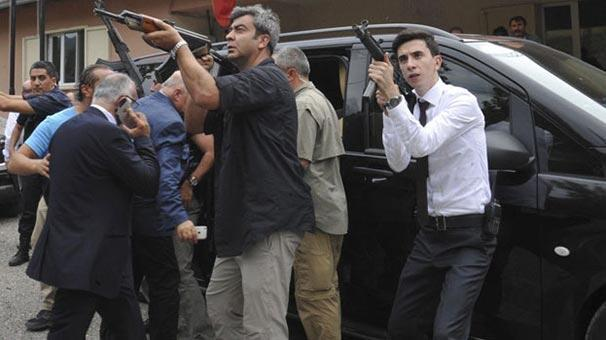 Kılıçdaroğlunun konvoyuna saldıran terörist öldürüldü