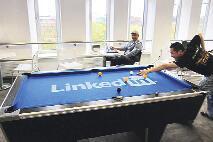 LinkedIn'deki işini LinkedIn'e borçlu