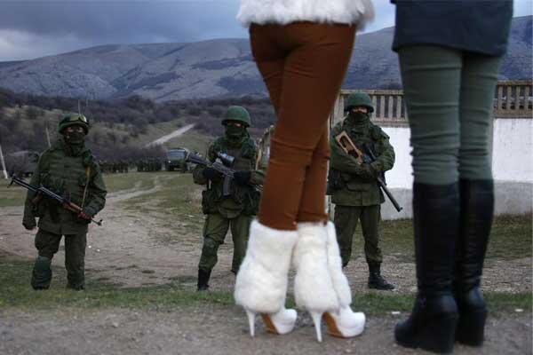 Rus askerleri üssü ele geçirdi