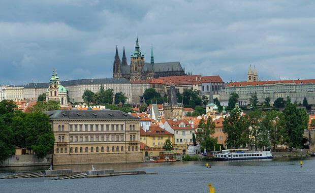 Görkemiyle yıldızlara ulaşan kent: Prag