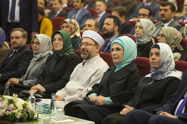 Emine Erdoğan: Türkiye sıfır atık konusunda tüm Müslüman toplumlara liderlik yapabilir