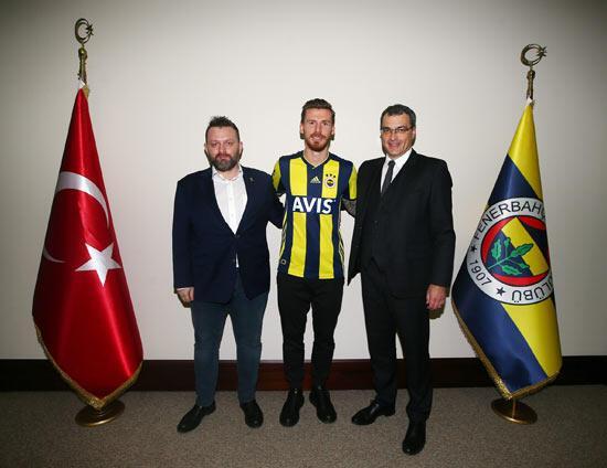 Fenerbahçe, Serdar Azizi resmen açıkladı