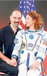 'Benim eşim uzaya giden ilk Müslüman kadın'