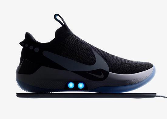 Nike, iPhone ile kontrol edilebilen yeni basketbol ayakkabısını tanıttı