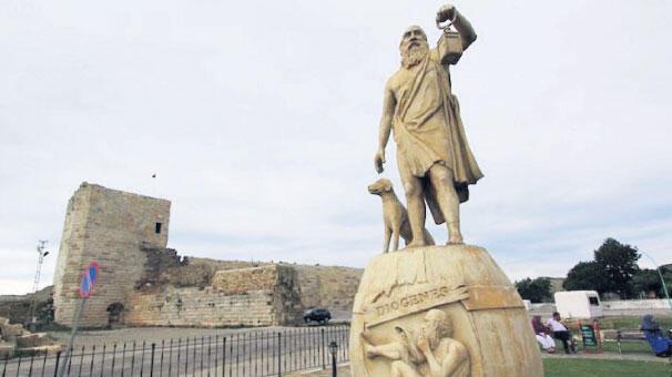 Baklavayı bırak Troya'ya bak