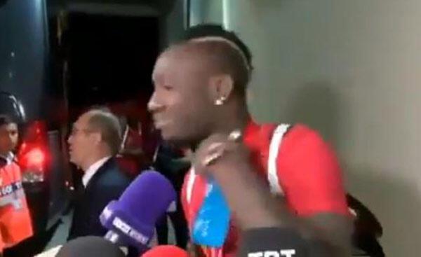 Mbaye Diagneden Başakşehire Boğaz kesme hareketi