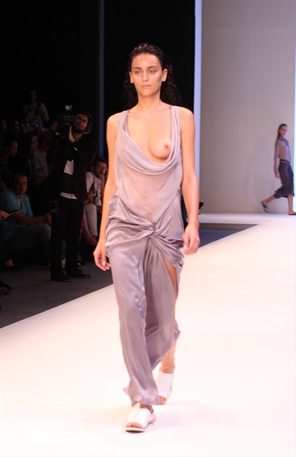 İstanbul Fashion Week Nejla Güvenç Defilesi