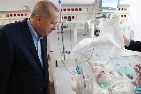 Cumhurbaşkanı Erdoğan: Bize Mursiyi hatırlatanlarla biz şu anda yarışıyoruz