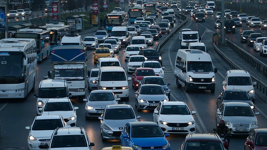 Trafiğe 8 ayda 630 bin 811 aracın kaydı yapıldı thumbnail