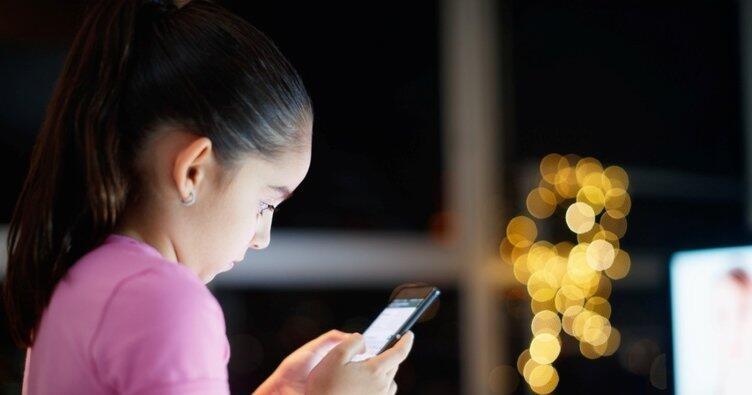 Ücretsiz internet paketi nasıl yapılır? Bakan duyurdu: Ücretsiz internet paketi verilecek thumbnail