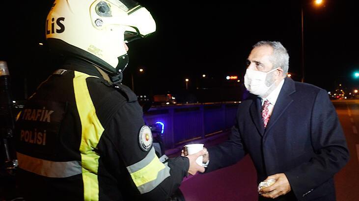 Yavuz Bingöl denetim yapan polislere çorba dağıttı - Magazin Haberleri -  Milliyet