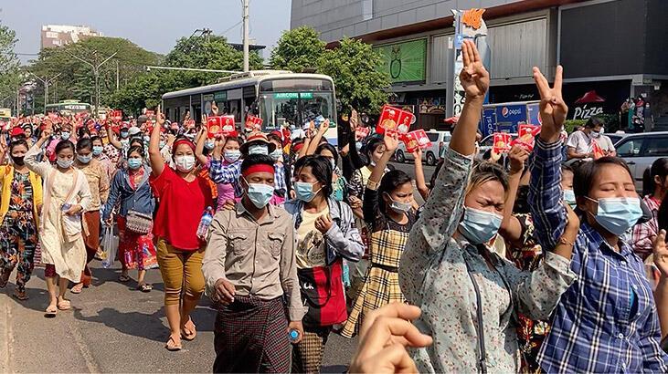 myanmar protesto ile ilgili görsel sonucu
