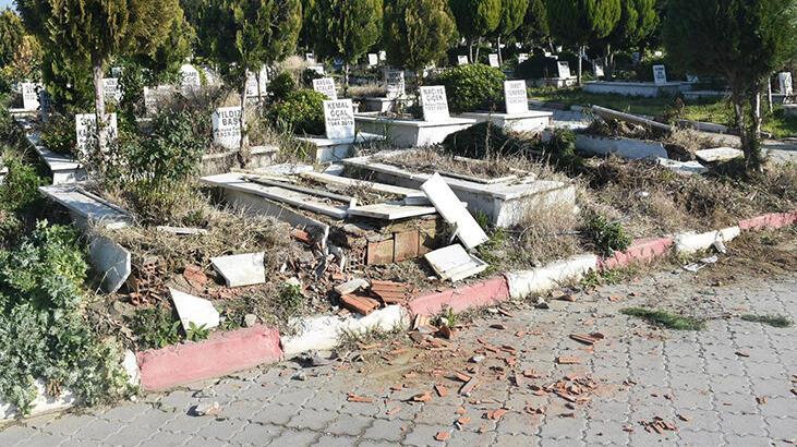 Manisa'da mezarlıklara saldırı! Soruşturma sürüyor