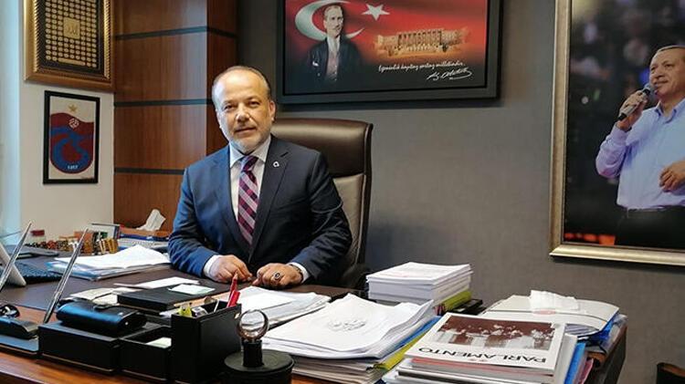 AK Partili Yavuz, partileri, Özlem Zengin hakkındaki paylaşımı kınamaya davet etti