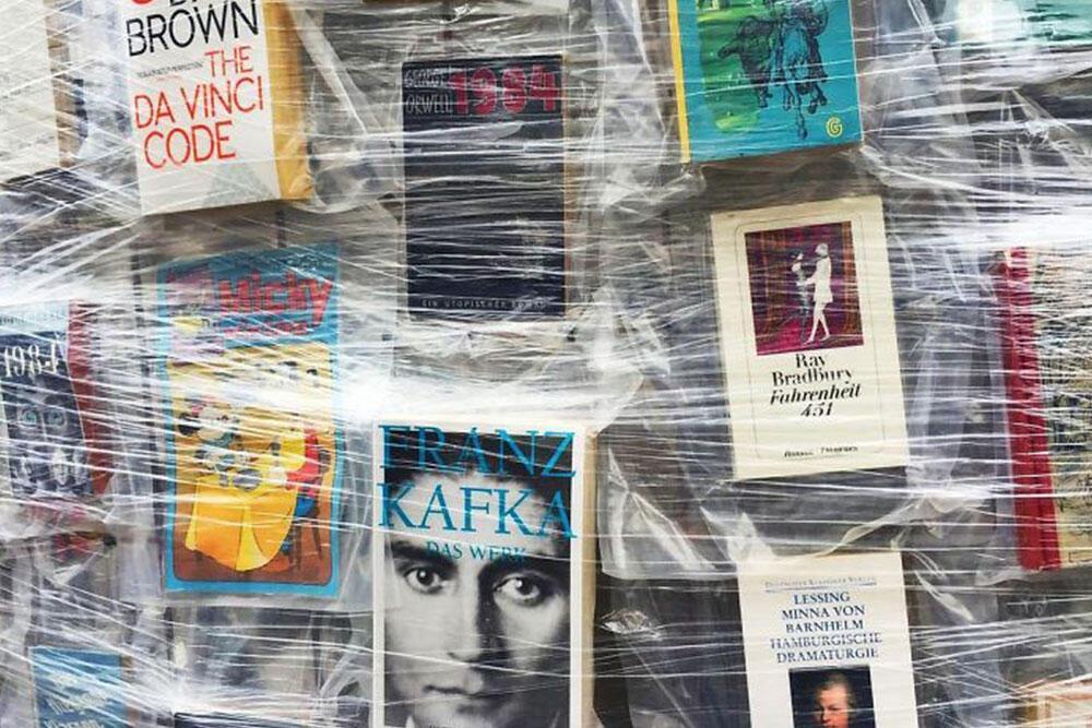 Dünya Üzerindeki Yasaklı Kitaplarla Yepyeni Bir Eser Oluştu