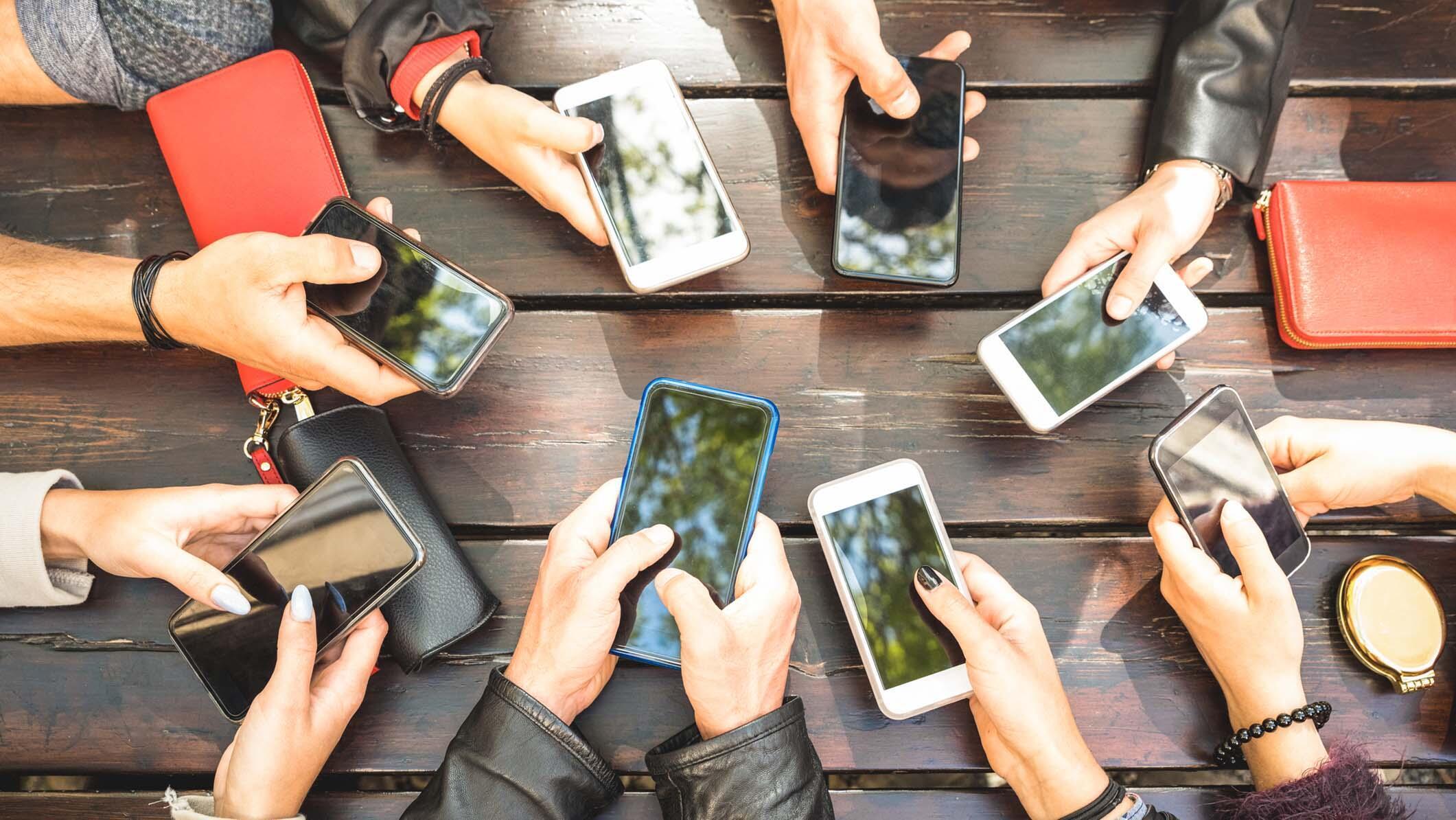 Telefonunuzu sık düşürüyorsanız sebebi bu hastalık! thumbnail