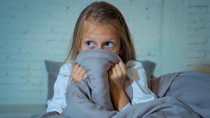 Çocuğun aile ile uyuma sorununa çözümler thumbnail