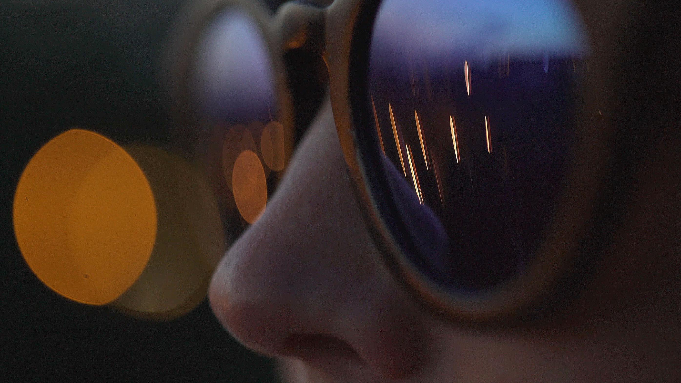 Uzmanlardan koyu renkli güneş gözlüğü uyarısı thumbnail