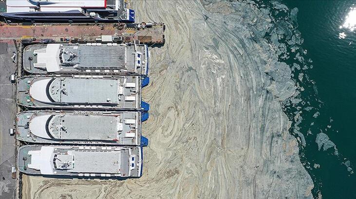 Marmara Denizi'nden 3 günde toplanan 733 metreküp müsilaj bertarafa gönderildi