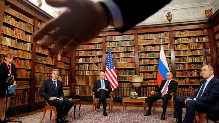 SON DAKİKA: ABD ve Rusya liderlerinin ilk yüz yüze randevusunda büyük şok! Salon karıştı...