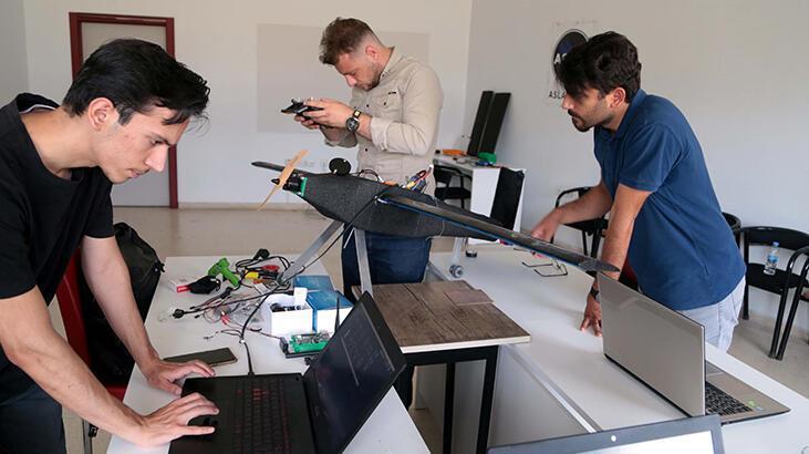 Üniversite öğrencilerinin ürettiği 'Şahi 25' adlı İHA, Teknofest'e hazırlanıyor