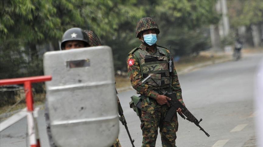 Myanmar'da darbe karşıtı sivil hükümet düzenli ordu kurdu thumbnail