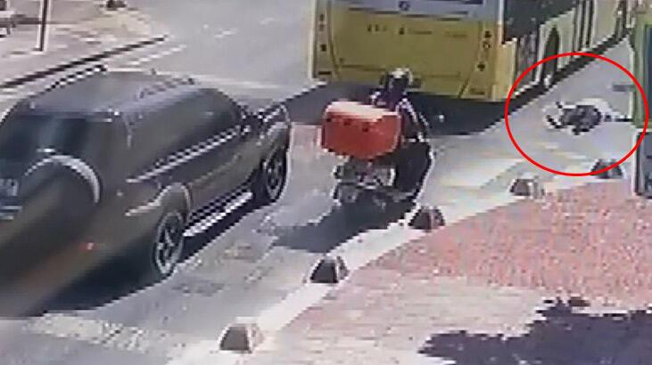 Küçükçekmece'de hareket halindeki otobüsten inmeye çalışan kadın düştü