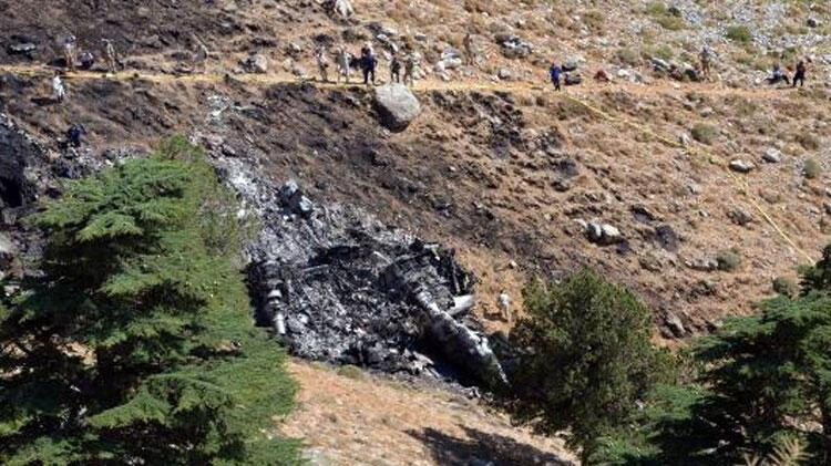 Kahramanmaraş'ta düşen yangın söndürme uçağının enkazı gömüldü