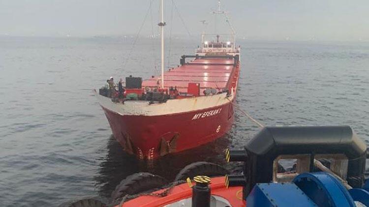 Boğaz'a girerken arızalanan gemi Ahırkapı'ya demirletildi