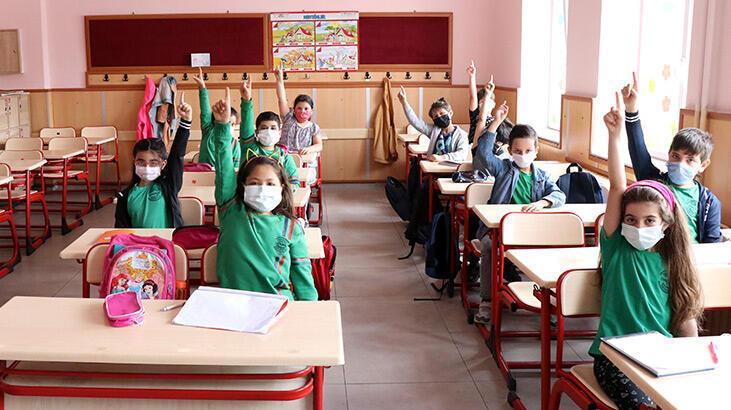SON DAKİKA: Bakan Özer'den yüz yüze eğitimle ilgili flaş açıklama